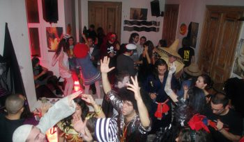 Halloween Party full